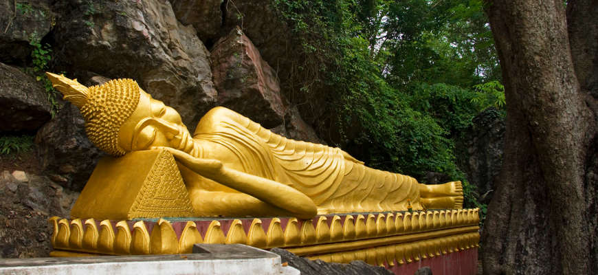 LAOS, LUANG PRABANG, PHOUSI HILL, RECLINING BUDDHA